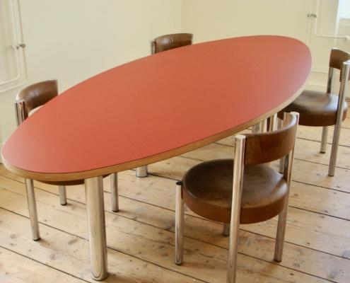 Sitzungszimmertisch oval